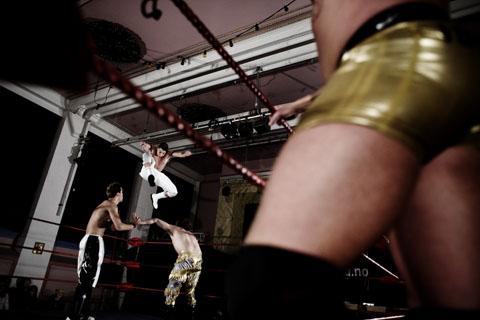TS 110109 wrestling 0791