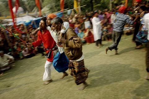 TS 20070130 ashura manikganj 0575
